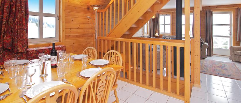 france_flaine_le-hameau-de-flaine-chalets_dining room.jpg